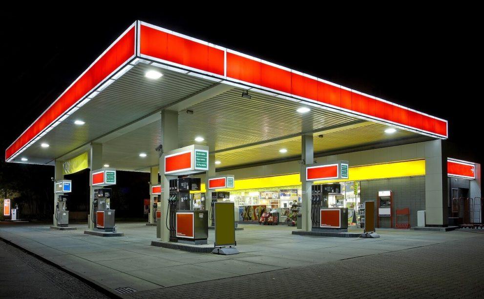 ガソリンスタンドのガラスコーティング