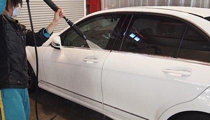 洗車時の高圧ガンを使用