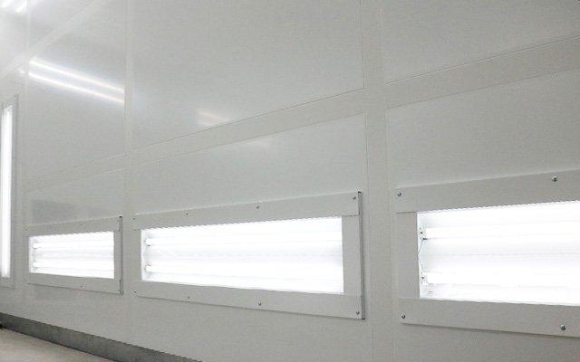 コーティング施工時の照明