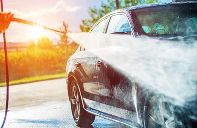 高圧ガンで洗車