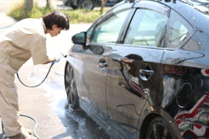 炎天下での洗車